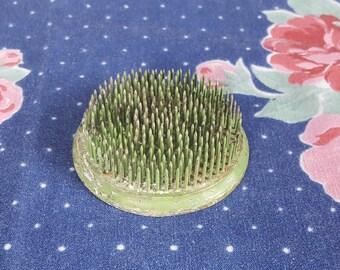 Round Green Metal Frog for Flower Vase