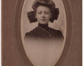 Antique Edwardian Photograph, Young Woman, Lady, Portrait, Early 1900s, Cabinet Card