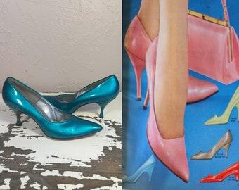 Turquoise Memories - Vintage 1950s Electric Turquoise Vinyl Patent Leather Stilettos Heels Shoes Pumps Rare - 7 1/2 S