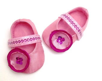 Pink Baby Girl shoes, Pink Baby booties, Mary Jane Shoes, Pink Baby Slippers, Soft Sole Shoes, Crib Shoes. Wedding Baby Shoes.