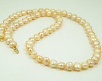 Pearls necklace, Bride necklace, Wedding necklace, Lithe pink pearls, fresh pearls necklace, long pearls necklace, Bridesmaid pearl necklace