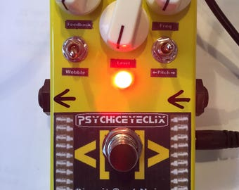 Circuit Bent Noise Pedal - fx/synth/noise/drone/glitch