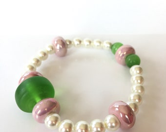 Pink and Grean Girls with Pearls