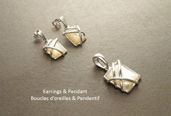 MOP Silver Set - Square shape - 925 Sterling Silver - White Shell - Modern Style - Filigree - Trending - Boho - Earrings ands Pendant Set.