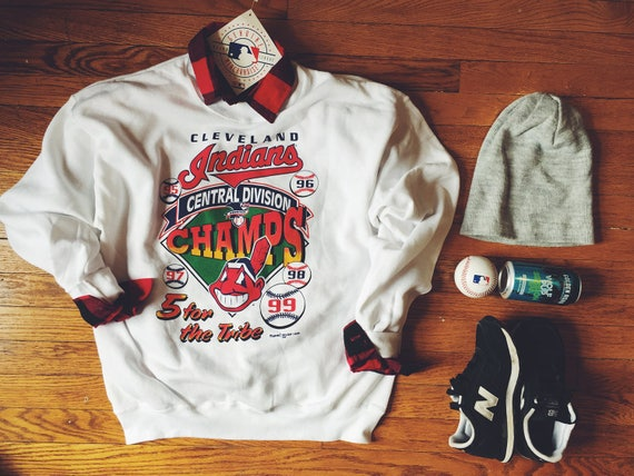 NWT Chief Wahoo Cleveland Indians deadstock sweatshirt (rare)
