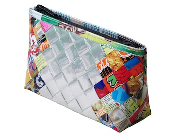 Makeup case using candy wrappers, FREE SHIPPING, vegan case, eco-friendly makeup bag, sustainable purse, upcycling by milo