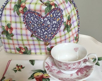 Tea pot cosy-british style- hearts-floral-