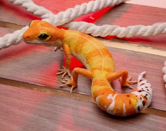 Leopard Gecko MADE to ORDER needle felted Soft sculpture, Wool figurine Handmade OOAK animal art doll plushie Pet reptile Lizard