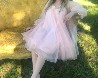 S / Vintage 1960's Two-Piece Babydoll Peignoir/ Lisette Designed by Al Sterling / Soft Pink w Cream Lace / Wedding Night Honeymoon Set