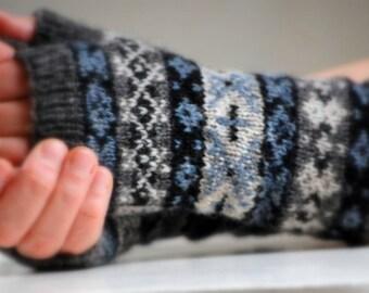 PDF Knitting Pattern Fair Isle Mitts X & O Digital Download