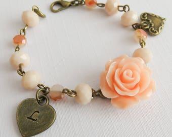 Personalized Peach Flower Girl Bracelet, Girls Initial Bracelet, Flower Bracelet, Wedding Jewelry, Bloem Armband, Meisjes Armband