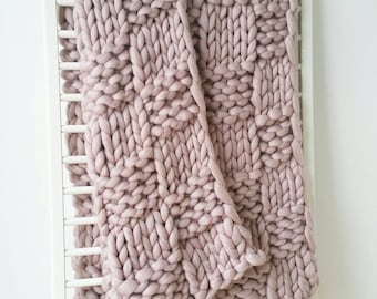 Giant Knit Throw Merino Wool Rug Dusky Pink Blanket Luxury Bed Runner