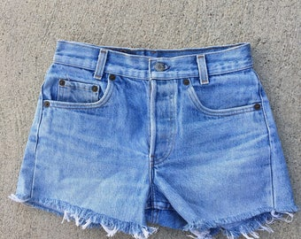 The Vintage Wash Levi Cut Off Shorts in WAIST 26
