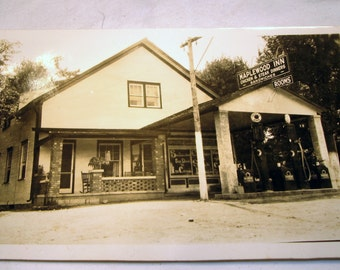 All Original Maplewood Inn Black & White Photograph Chicken Steak Dinners Rooms Sandwiches Gas Station Indian Gas Pumps