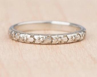 Orange Blossom 1920s Flower Patterned 18k White Gold Wedding Band Stacking Ring Belais NOS