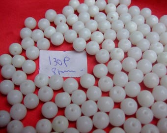 Opaque white vintage beads 130 * 8 mm * round