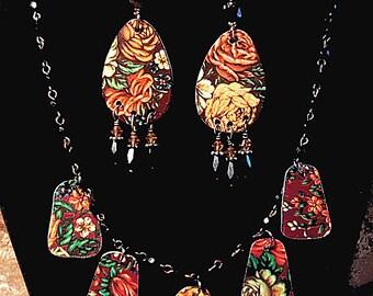 Vintage Tin Rose Garden Necklace