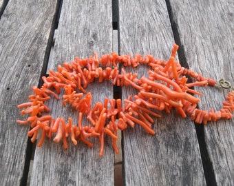 32g vintage mediterranean coral necklace