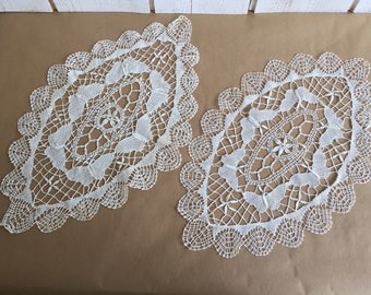 Pair of very fine lace, linen thread, french vintage doilies