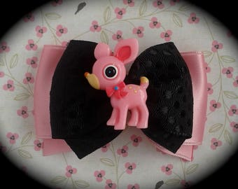 large brooch pink and black Fawn pink