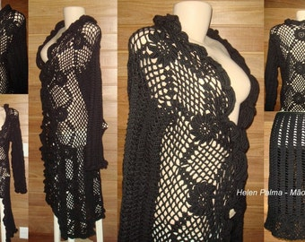 Long coat and skirt  in crochet lace