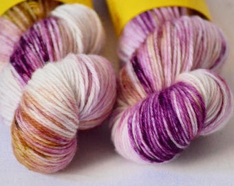 Hand dyed yarn - DK weight - Lady - Speckled