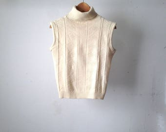 vintage CREAM mock TURTLENECK fitted ribbed sweater top