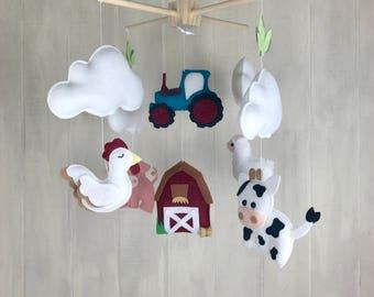 Crib mobile - Farm mobile - baby mobile - barn - tractor mobile - farm mobile - pig - cow mobile - horse mobile - barb mobile