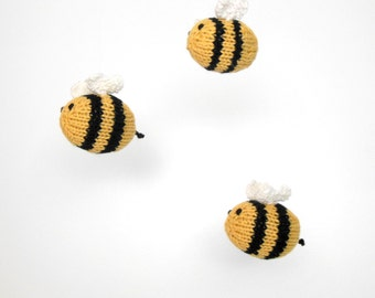 Baby Mobile, Bee mobile, Nursery mobile, Bee nursery, Bumble Bee mobile, Crib Mobile, Garden mobile, Insect mobile, Knit bee mobile, wool