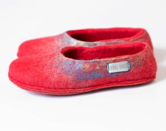 Coral Red Wool Slippers for Women, Women slippers, Felted slippers, Housewarming gift for her, Home slippers Handmade in Europe, Hygge home