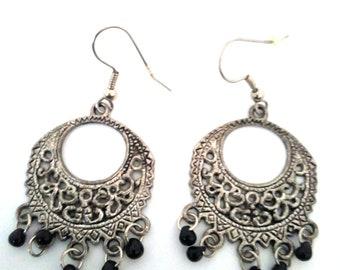 Handmade earrings with mini drops