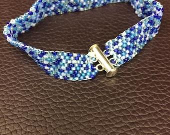 Blues mix peyote bracelet - customization available !