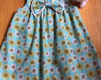 Handmade Girls Dress with bow, Size: 4 Years.