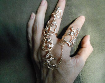 Gold or silver tone knuckle ring