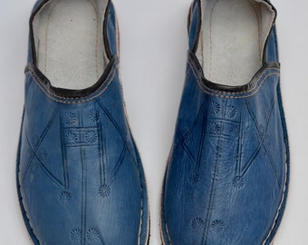 Mens Moroccan Babouche Slippers Shoes, Handmade Leather Shoes, Blue Slippers, Organic Leather Shoes, Mules, Babouche, Mens Womens Slippers.