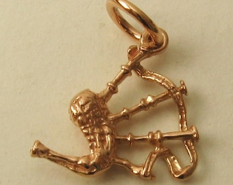 Genuine SOLID 9K 9ct ROSE GOLD 3D Scottish Bagpipes charm/pendant