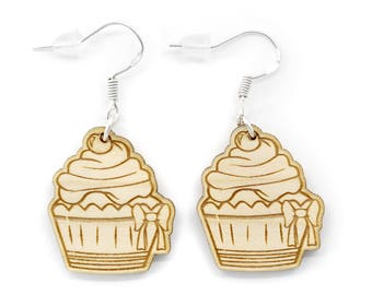 Wooden cupcake earrings. Jewel pastry, gourmet cake engraved and laser cut. Available in several shades of wood.