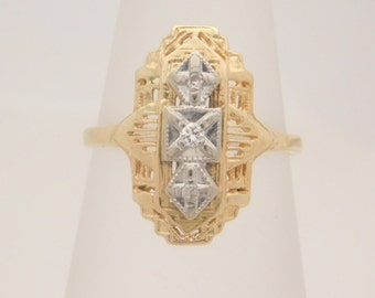 Ladies Round Cut Diamond Cluster Ring 10K Yellow Gold