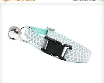"""SALE 20% Off - Cat Collar - """"Incense & Peppermints """" - Lt. Grey on Mint - Breakaway Safety Buckle or Non-Breakaway - Sizes for Cat, Kitten,"""