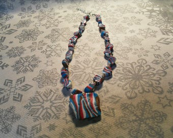 beautiful pendant necklace, original, stylish, trendy summer (turquoise, white, pink and Brown)