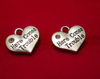 "5pc ""Here comes trouble"" charms in antique silver style (BC832)"