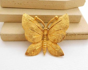 Vintage Signed BSK Etched Yellow Gold Tone Butterfly Brooch Pin OO34