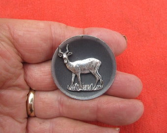 """Vintage SIMBA GAZELLE 3-D Pin/Broch  1 1/2"""" Dia.  Silver Tone  Reg. African Theme from Africa"""
