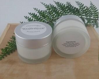 Cruelty-free cosmetic sunscreen, organic sunscreen for the famliy, orangic sunscreen for the face, orangic sunscreen for the whole body