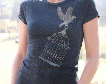Bird TShirt - Bird T-Shirt - Bird Shirt - Bird - Birds T-Shirt - Birds T Shirt - Gift for Her - Women Bird T-shirt - graphic tee -FREE BIRD