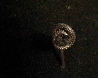 vintage gold lovers knot with diamond center stick pin