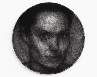 Portrait, Personal portrait, Portrait of thread, Personalized gift, Custom portrait, Home decor, Wheel, String Art, Angelina Jolie