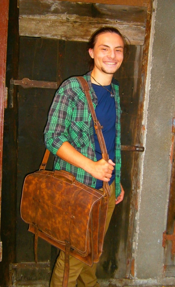 Julian 17 inch laptop bag, school bag, office bag,architects bag man bag, students bag,school bag, man briefcase, leather bag