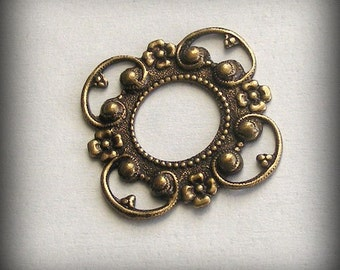 LuxeOrnaments Oxidized Brass Filigree Connector Setting Frame 24mm (1 pc) T381-VJS AT-3847