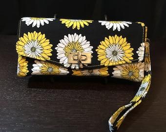 Daisy Necessary Clutch Wallet